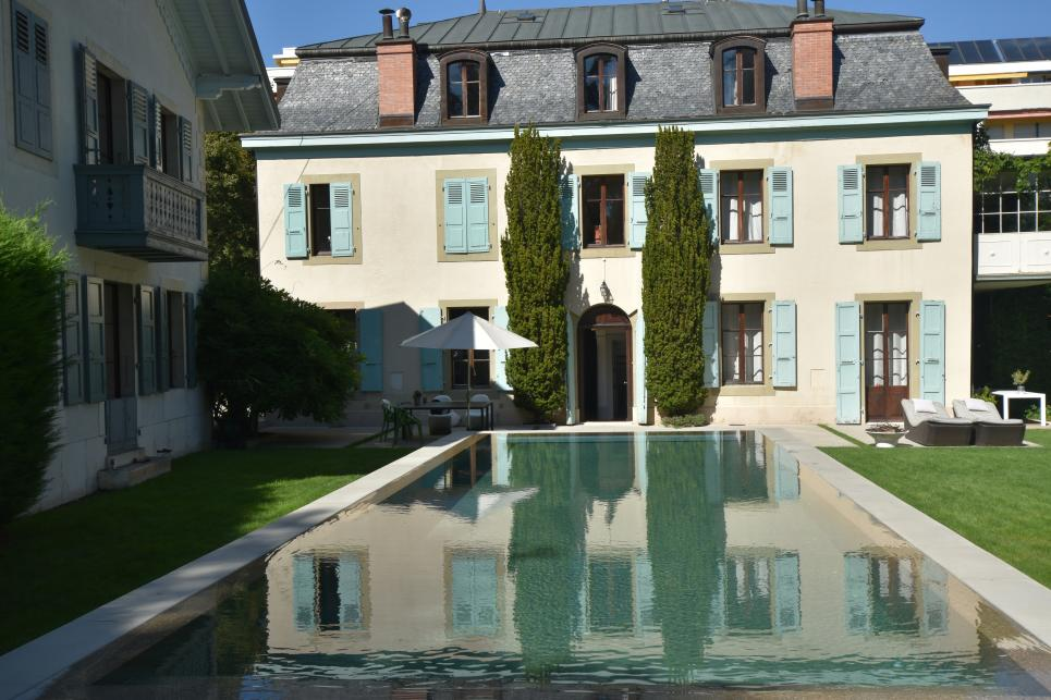 Master property 20 rooms in Versoix
